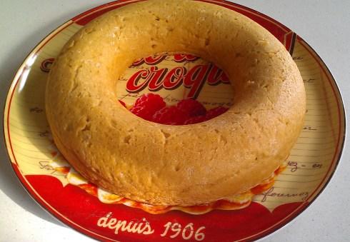 LE gâteau de semoule de ma mère se cuit dans un moule en couronne, qu'on se le dise !